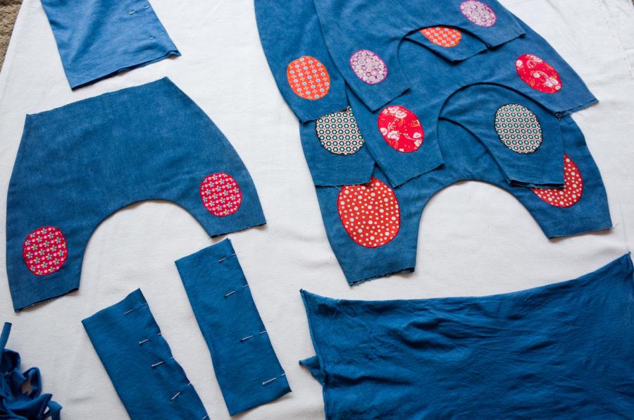 Blog | Pantalon et sarouel bébé teints à l'Indigo : les essais