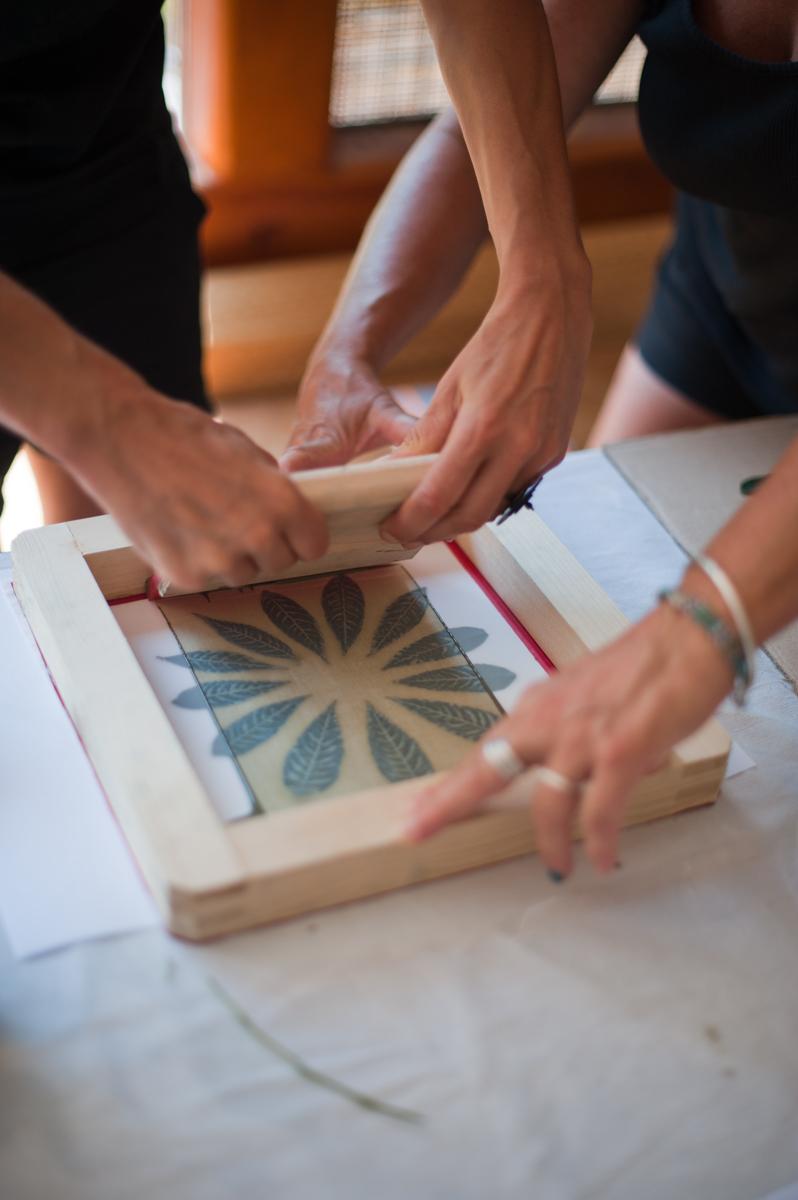 Cours de teintures naturelles recyclées et motifs